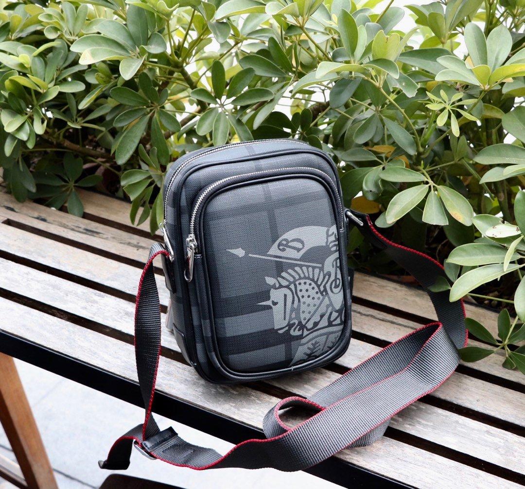 カバン 斜めがけ メンズ ブランド-コピー バーバリー 黒 レザーボディバッグ  高品質ショルダー N級コピー店舗